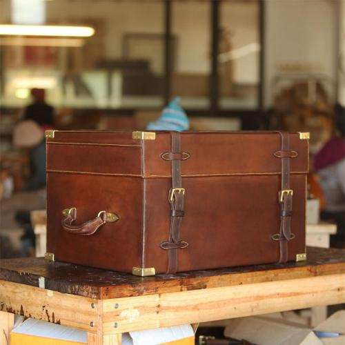 leather, safari box, coolbox, hotbox, case, picnic case, craftsmanship, handmade